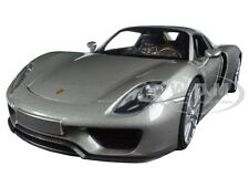 Porsche 918 Spyder Silver Closed Roof 1:24 Diecast Car Model By Welly 24055