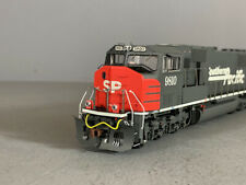 HO Athearn Genesis Diesel Locomotive Southern Pacific SD70M Road#9810 DC (F0048)