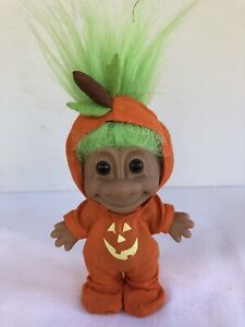Troll Doll RUSS Green Hair Brown Eyes Halloween Pumpkin Jack-O-Lantern Suit 90's