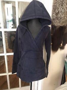 Lululemon Size 6  Pullover Sweater Hoodie