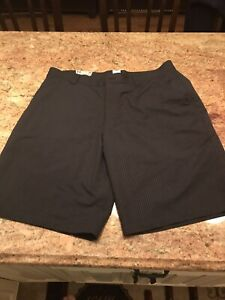 Under Armor Armour UA Mens Black Golf shorts Brand New With Tags NWT HALF PRICE