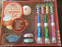 Melissa & Doug Wooden Bake and Decorate Cupcake Set Play Food Preschool , NEW