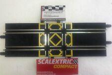 SCALEXTRIC COMPACT  ESCALA 1/43    1 CRUCE DE 4 CARRILES  ENVIO GRATIS!!!!