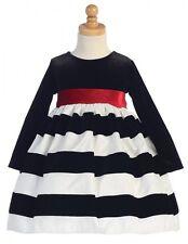 Mehrfarbiges Mädchenkleid für besondere Anlässe