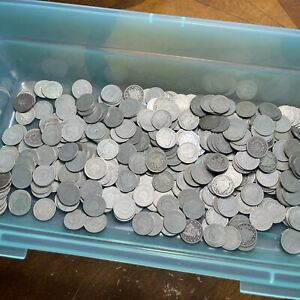 """Estate Purchased Lot Unsearched Liberty """" V """"  Nickels 1564 Grams"""