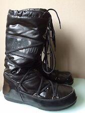 Women's Tecnica Moon Boots in Black size 7.5
