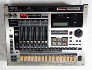 Roland MC-808 - Sampling Groovebox - 1 Jahr Gewährleistung