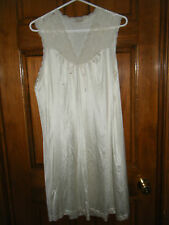 Jasmine Ivory Nylon Lace Trimmed Nightgown & Matching Robe - Size M