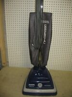 SANITAIRE S645A PROFESSIONIAL 7.0 AMP UPRIGHT VACUUM CLEANER