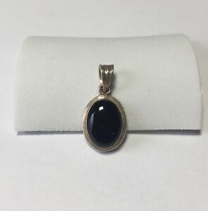 Vintage Sterling Silver Oval Necklace Pendant With Black Stone 3.7g