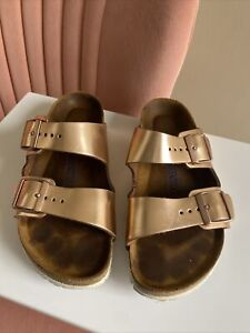 Women's Birkenstock Rose Gold Metallic Arizona Slide Buckle Flat Sandal Size 36