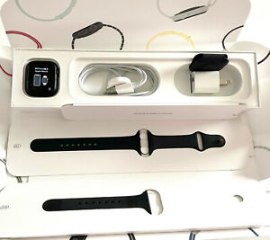 Apple Watch Series 5 GPS 40MM Space Gray Aluminum Case+Small+Large Sports