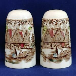 JOHNSON BROTHERS HERITAGE HALL COLONIAL OVERHANG SALT AND PEPPER SHAKERS