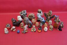 Lot de 47 chouettes hiboux en différentes matières (bois, pierre, céramique)