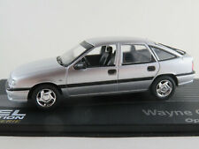 "IXO #138 Opel Vectra A Fließheck (1992)""W. Cherry"" in silber 1:43 NEU/PC-Vitrine"