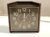 Vintage General Electric Desk Clock Model 2196 - Works