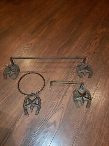 3 PC Iron Western Star & Horse Shoe Set Towel Rack and Toilet Paper Holder