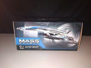 """Dark Horse SR-2 Mass Effect Alliance Normandy SR2 Ship Replica 6"""""""