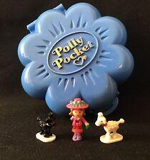 Polly Pocket Mini 💛 1990 Fifi's Parisian apartment Dog caniche perro (1)