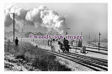 gw0212 - British Railway Engine 42073 at Bradford in 1967 - photograph