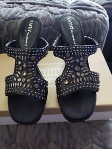 NIB Kathy Van Zeeland SHERYL Black Leather Sandle Size 8.5 M