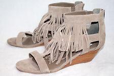 NWOB STEVE MADDEN Amaaya Wo's 9.5 Taupe Suede Fringe Wedge Ankle Sandal Rear Zip