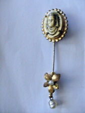 jolie broche epingle ancienne Miriam Haskell - motif pharaon / egypte