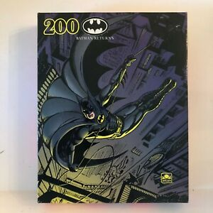 BATMAN RETURNS Golden 200 Pc Puzzle Factory Sealed 1992 DC Comics NEW SEALED