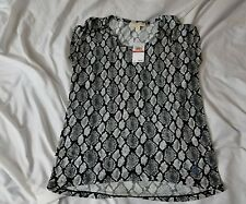 NWT Michael Kors XSMALL Snake pattern BLACK AND WHITE CREW NECK Shirt