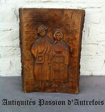 B20140942 - Panneau de bois avec décor sculpté - Très bon état