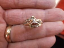 "UNUSUAL VTG? LADIES 10K YELLOW GOLD & DIAMOND WEDDING RING SET, ""TRIANGLE"" MOUNT"