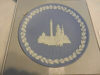 1970 Blue & White Jasperware Christmas Plate Wedgwood Trafalgar Square