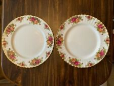 """2 ROYAL ALBERT OLD COUNTRY ROSES DINNER PLATES 10.5"""" GOLD TRIM. (NEVER USED)"""