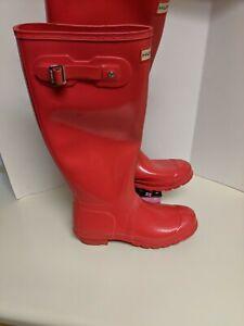 Hunter Rain Boot Women's Bright Red Rain Boots - Size 9... GREAT CONDITION.