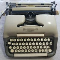 Vintage Rare Voss Deluxe Cream / Gray Portable Typewriter No Case West Germany