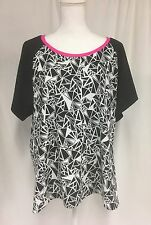 TORRID ACTIVE Sz 4 Short Sleeve TOP Black Pink White Nylon/Spandex Plus 4x 26W