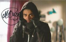 HOLLYOAKS* MALIQUE THOMPSON-DWYER 'PRINCE McQUEEN' SIGNED 6x4 ACTION PHOTO+COA