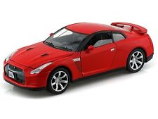Motormax Nissan GTR Red 1/24 Diecast New Car Model 73384RD