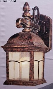 THE HAMPTON BAY VINTAGE STYLE ALUMINUM OUTDOOR WALL LAMP COPPER PATINA