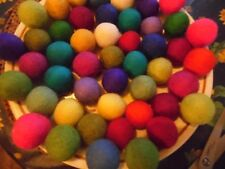 Felt Boules, 3 cm Pack de 100, couleurs mélangées