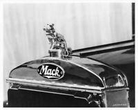 1933 Mack Bulldog Hood Ornament Press Photo 0179