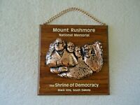 """Vintage Mount Rushmore Wall Hanging Plaque """" BEAUTIFUL COLLECTIBLE ITEM """""""