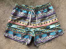 "Chubbies Men's Krakens Swim Trunks Medium 5.5"" Liner Shorts Fish Aztec Blue Pink"