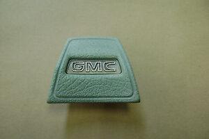 1967-72 GMC truck horn button dark green sun faded 1968 1969 1970 1971 1972