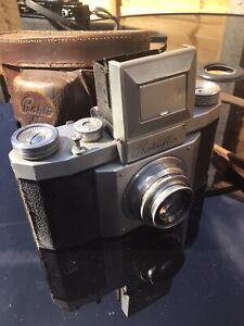 Cased Vintage Prakliflex Camera