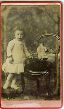 PHOTO CDV circa 1890 REDON Bouteloup une petite fille prend la pose jouet poupée