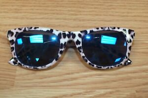 The Place Girls / Childs Pink Toned Cheetah Print Collectible Fashion Sunglasses