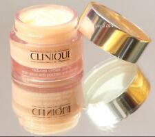 Clinique Gesichtspflege ohne Duftstoffe mit Creme-Formulierung
