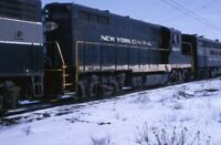NYC NEW YORK CENTRAL Railroad Locomotive 6042 GP-9 Original 1964 Photo Slide
