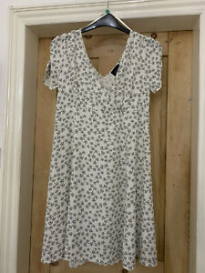 Holly willoughby dress size 16